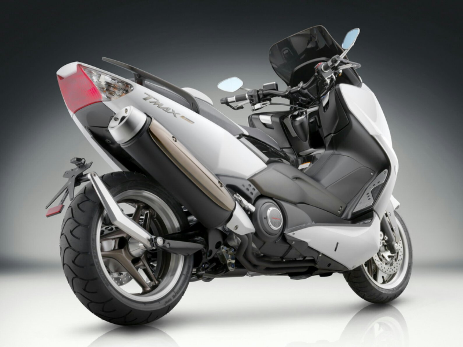 Penjualan Moge Yamaha Laris Manisss